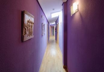 imagen-pasillo-hostal-las-abadias-2-1