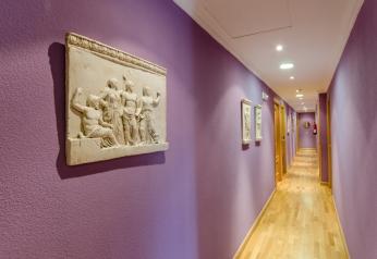 imagen-pasillo-hostal-las-abadias-3
